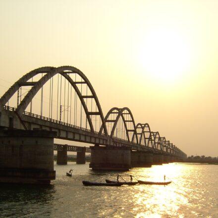 Bild von Godavari Railway Bridge