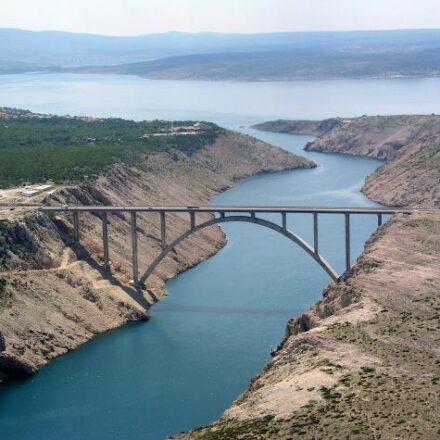 Bild von Maslenica Arch Bridge