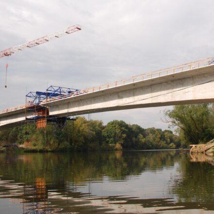 Bild von Brücke über die Oder